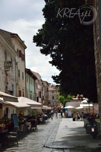 Malerische Gasse in Pula